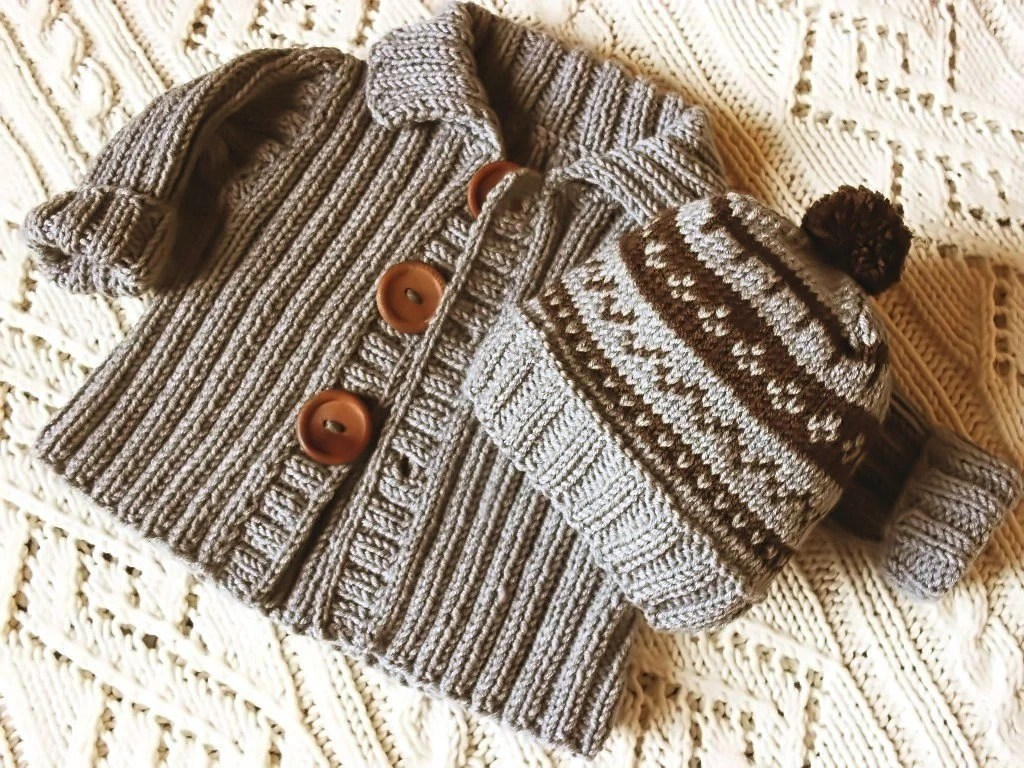 Cute cable knit sweater from Pilland