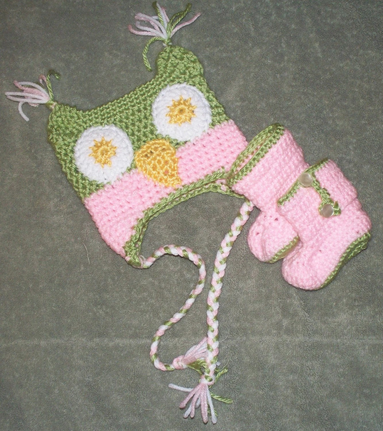 newborn owl hat and boots