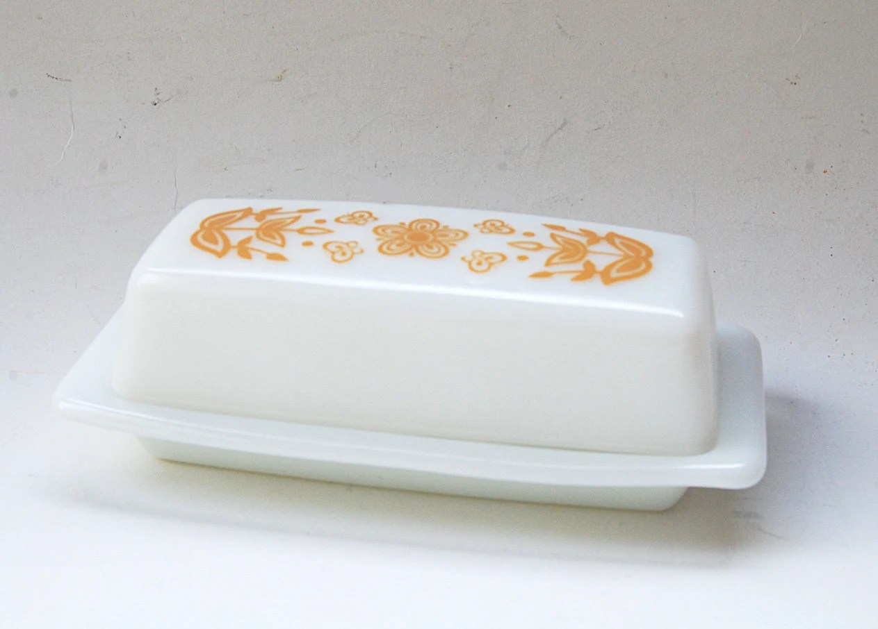"""Vintage 60's: Pyrex Covered Butter Dish, """"Butterfly Gold"""""""