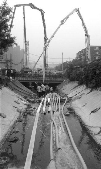 北京決堤河水灌進地鐵10號線在建隧道(圖)