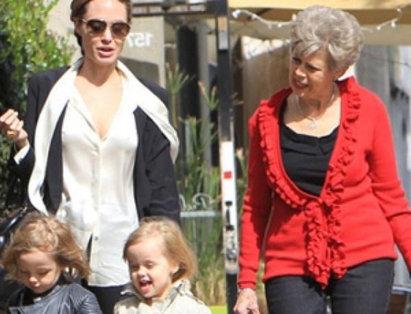 Анджелина Джоли с детьми и мамой Питта. Фото | HOCHU.UA