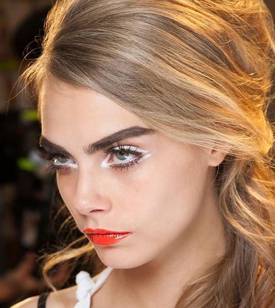 Как сделать снежный макияж глаз: пошаговый фото-урок ...
