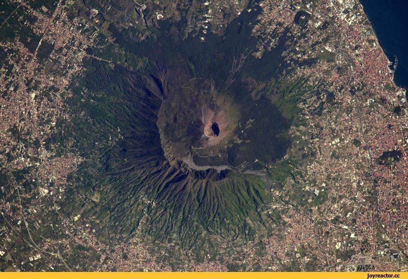 Mist«,фото из космоса,италия,неаполь,Везувий
