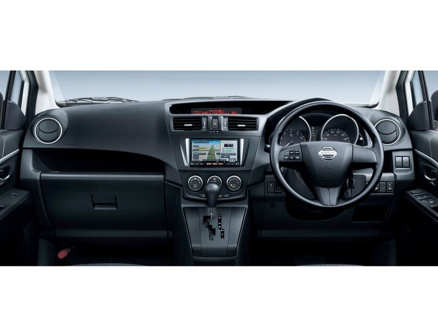 『インテリア1』 ラフェスタ 2011年モデル の製品画像