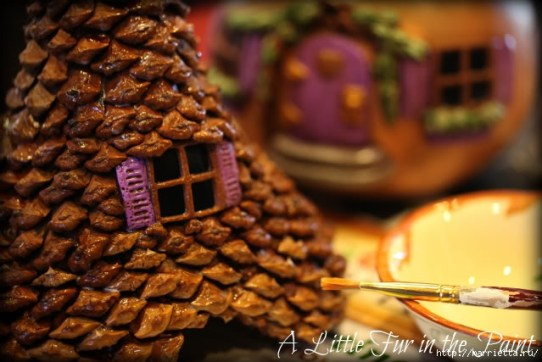 Изумительные сказочные домики из тыквы, полимерной глины и шишек (44) (640x427, 171Kb)