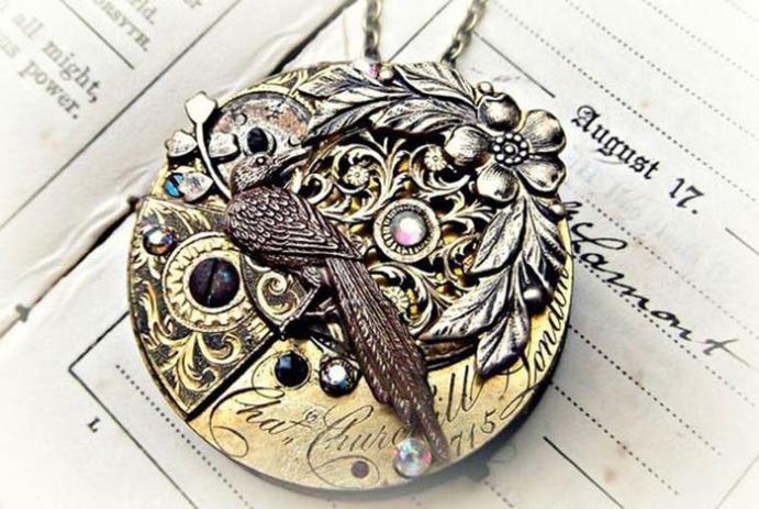 Винтажные украшения из старинных карманных часов