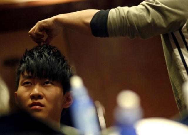 Безрукий пианист Лю Вэй (Liu Wei)