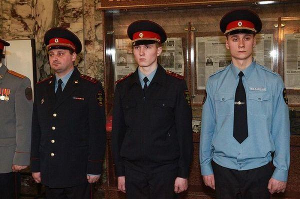 Медведев оценил новую форму полицейских. Фотографии новой ...