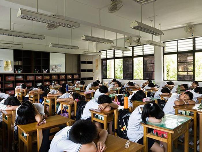 Как выглядят ученики и школьные классы в 15 странах мира