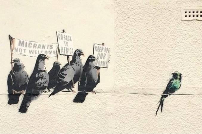 Граффити Бэнкси с голубями удалили по обвинению в расизме