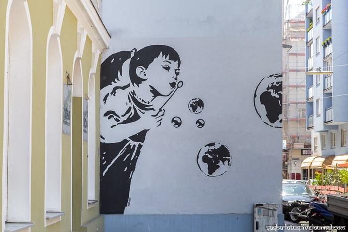 Красивый стрит арт и граффити в Вене, Австрия