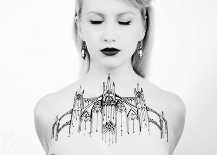 Поразительные «архитектурные» татуировки