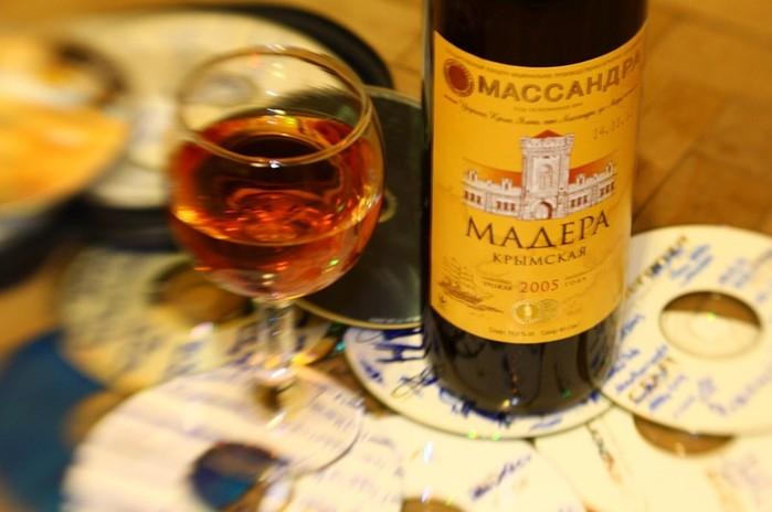 Крепкое вино мадера с острова Мадейра