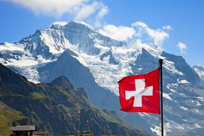 Как швейцарцы из воздуха делают деньги
