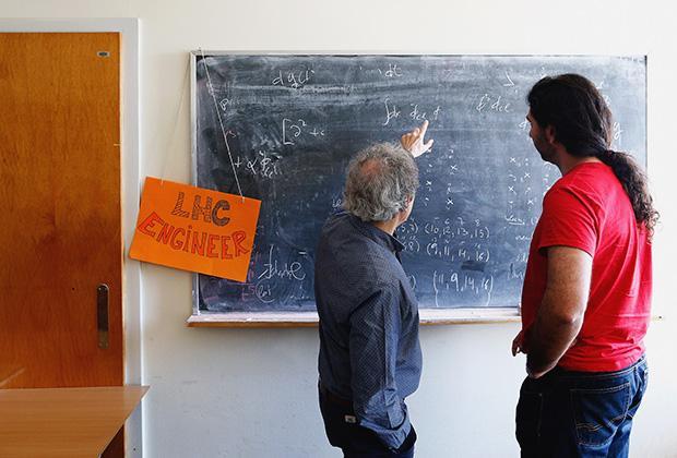 Кому нужна математика? Понятная книга о том, как фантасты не сумели ничего предугадать