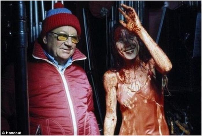За кадром фильмов ужасов   12 классных фотографий!