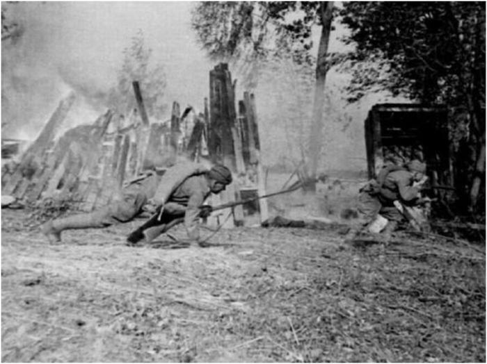 Уникальные фотографии, сделанные в первые дни Великой Отечественной войны