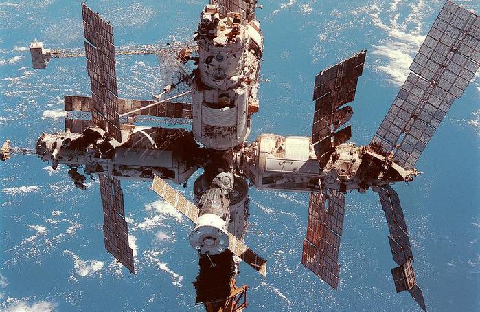 ДТП на околоземной орбите