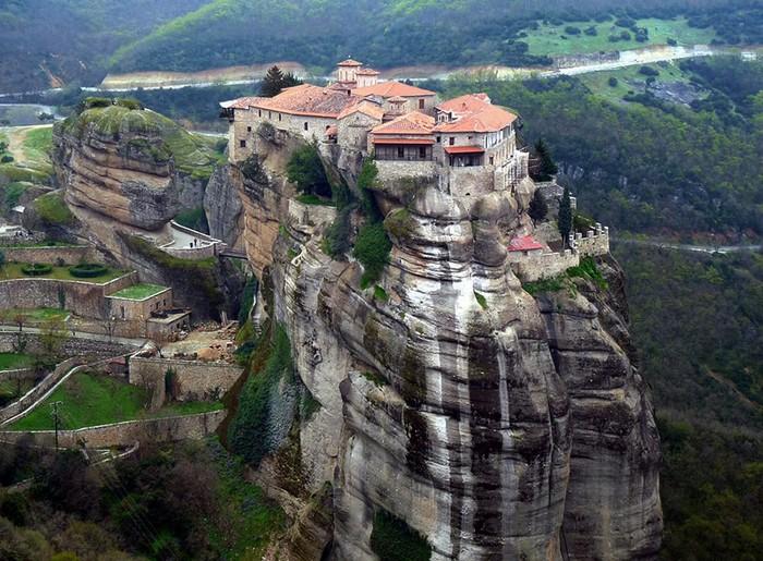 Героическая история, как воевали с немцами греческие монахи
