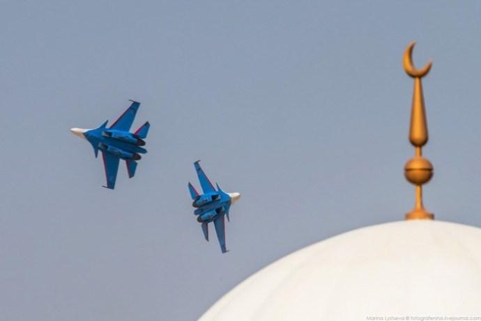 «Русские Витязи» на авиационно космической выставке Dubai Airshow