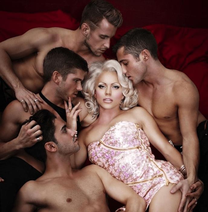 Сексуальные красотки с неожиданной «изюминкой», которая может всё испортить