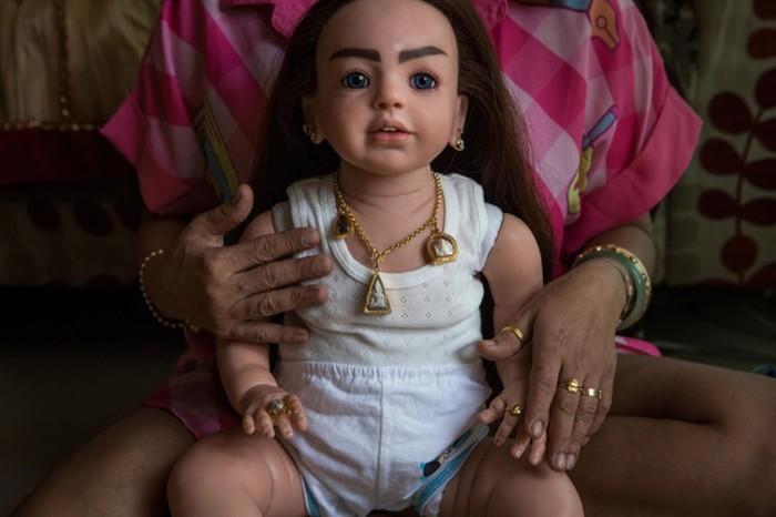 Игрушки для взрослых: как в Таиланде сходят с ума по куклам талисманам