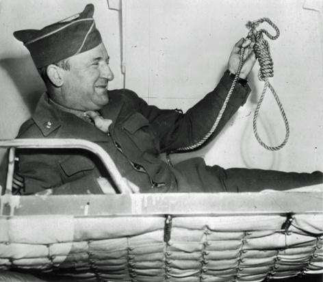 Мастер сержант Джон Вуд, главный палач нацистов на суде в Нюрнберге