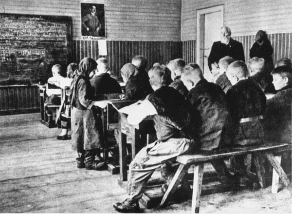 Как учились школьники и студенты на оккупированных территориях СССР
