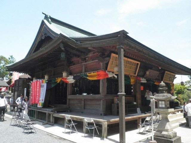Очень увлекательная экскурсия в японский храм женской груди