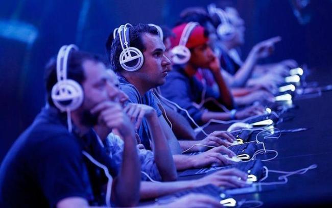 Совбез поручил ФСБ идентифицировать пользователей онлайн игр