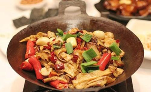 Хунаньская кухня из «земля рыбы и риса»