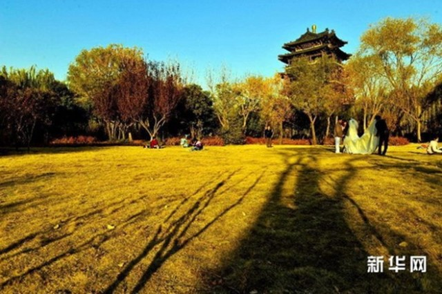Парк Озера Дамин в городе Цзинань (Китай)