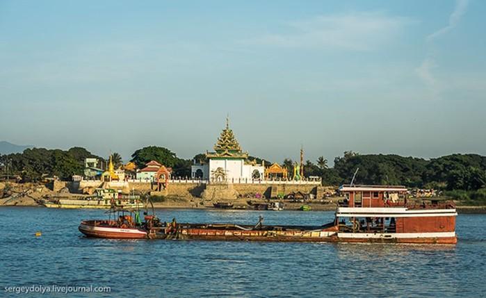 Иравади. Путешествие по самой большой реке Бирмы