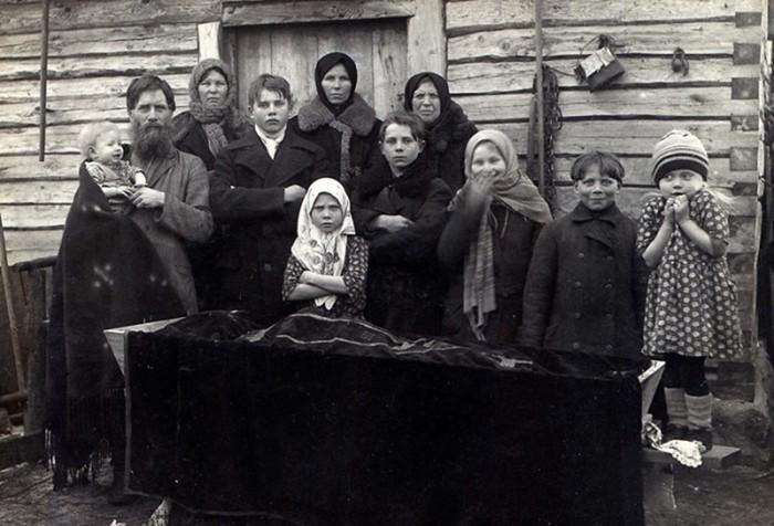 История суеверий: какие предметы запрещалось выбрасывать на Руси