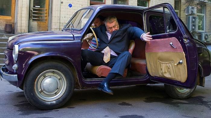 Политик Владимир Жириновский и его раритетные автомобили