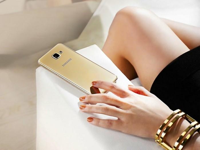 8 лучших смартфонов с большим экраном