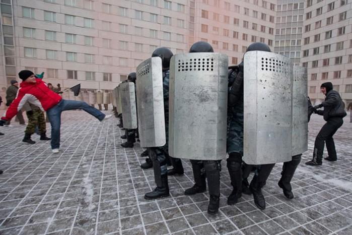 Как ОМОН учится разгонять митинги и демонстрации