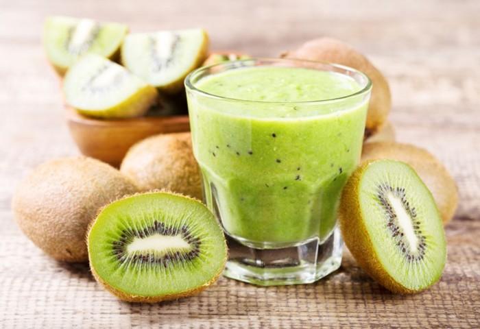 Опасные летние продукты: какая еда вредна для кожи