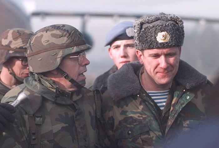 Россия враждует почти совсем миром: «Нельзя ложиться под американцев»