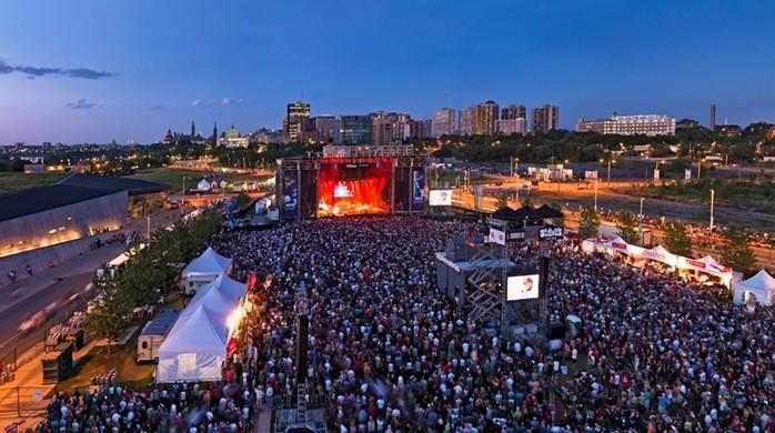 Яички зуйка угрожают проведению канадского музыкального фестиваля «Блюзфест»