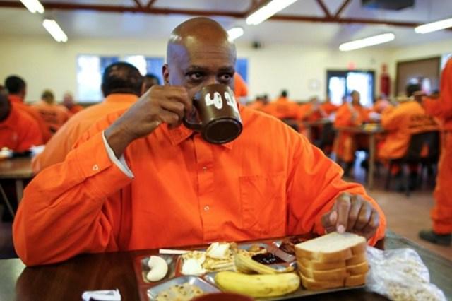 Перед казнью можно съесть что угодно: повод шикануть ипозлить охранников