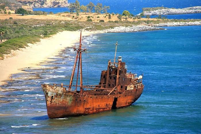 Величественные красавцы: 35 заброшенных кораблей по всему миру