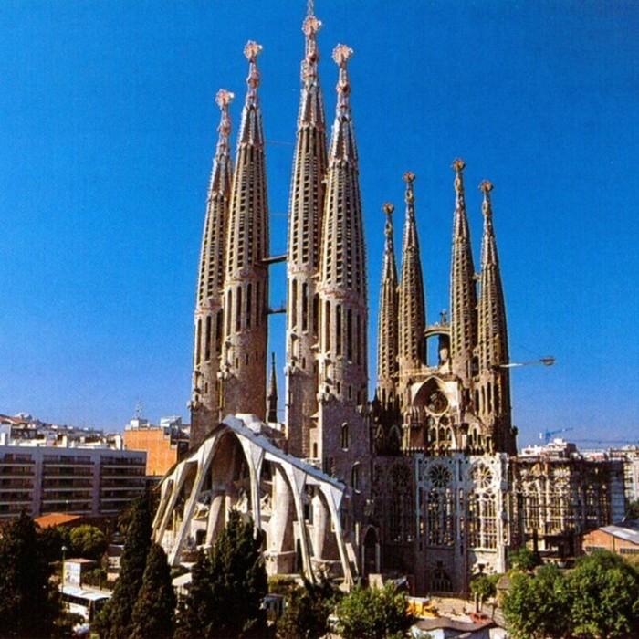 10 самых впечатляющих зданий мира: факты и фотографии