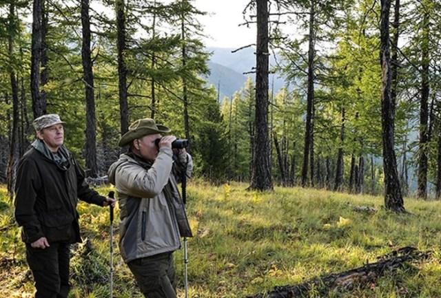 Путин на отдыхе: появились фотографии президента в горах Тувы