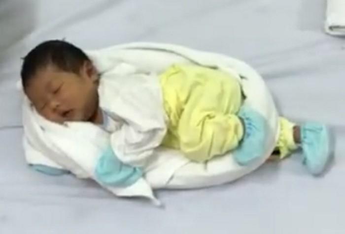 Как убаюкать младенца: секрет опытной вьетнамской медсестры