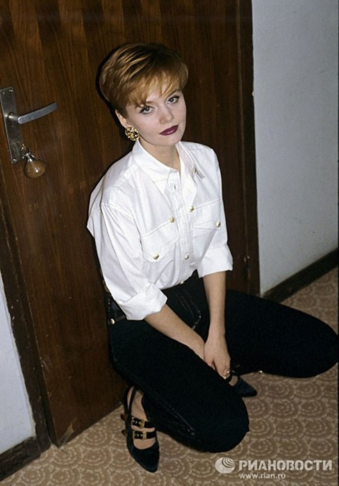 Несколько фотографий из лихих 90 х с теми, кого у нас принято называть «звёздами шоубизнеса»