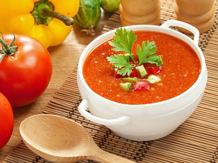Рецепт: «Гаспачо» из овощей и другой зелени