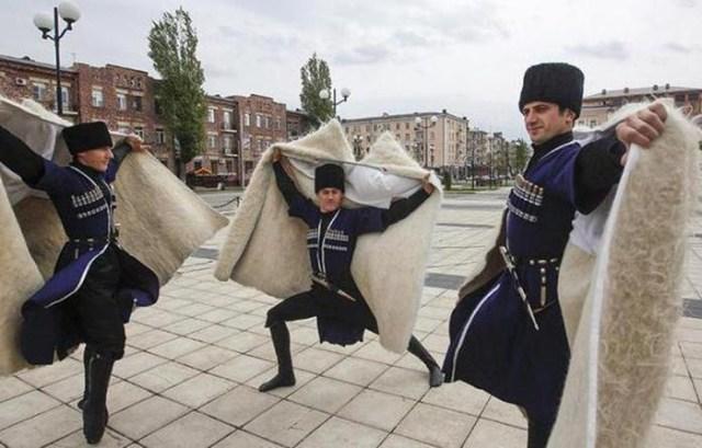 Не только кровная месть! Что нужно знать о тейпах, чеченских родовых союзах