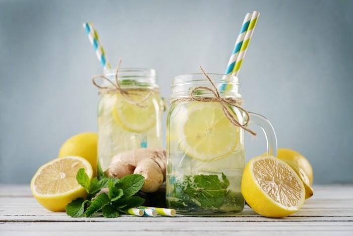Вода с добавками эффективно борется против лишних килограммов веса