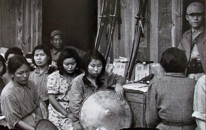 «Женщины для утешения»: корейцы и китайцы никогда не простят японцам